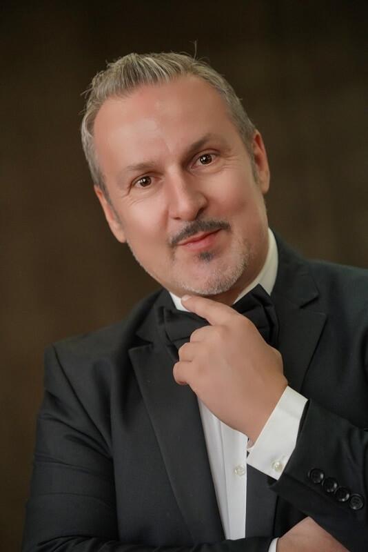 ArthuB представя Николай Моцов