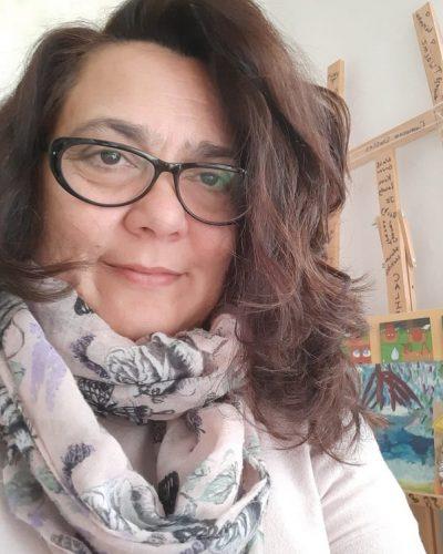 Нора Константинова